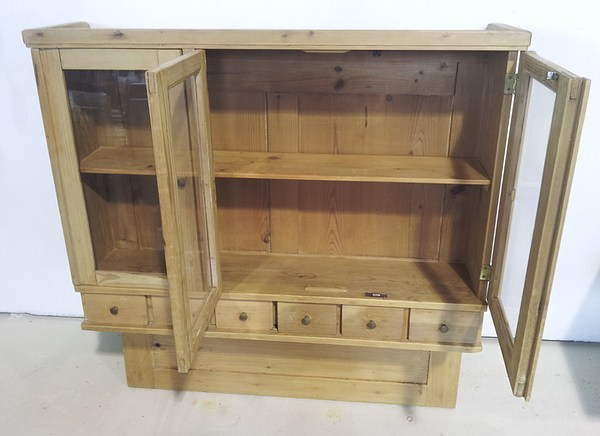 Pine wall cupboard-4.jpg